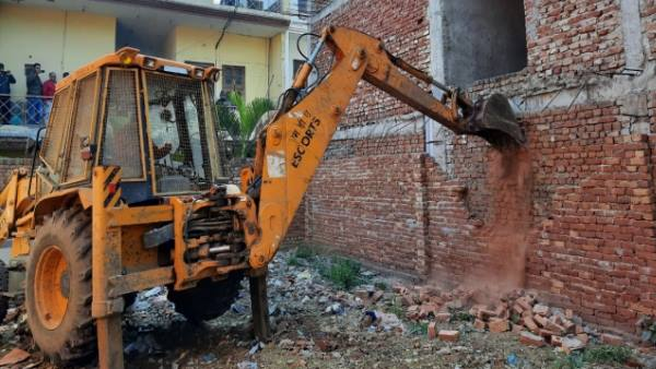 notorious criminal badan singh baddo kothi demolished in meerut