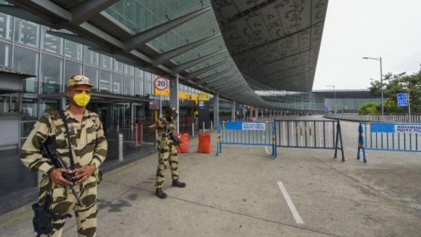 इसे भी पढ़ें- दिल्ली में ब्लास्ट के बाद बढ़ी सुरक्षा, एयरपोर्ट और सरकारी दफ्तरों के लिए CISF का हाईअलर्ट