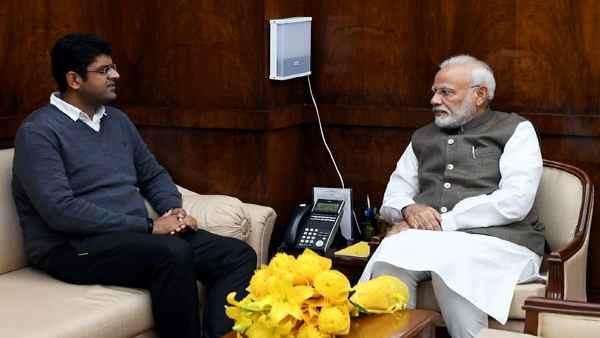 इसे भी पढ़ें- किसान आंदोलन के बीच PM Modi से मिले दुष्यंत चौटाला, क्या गठबंधन पर छाया है संकट ?