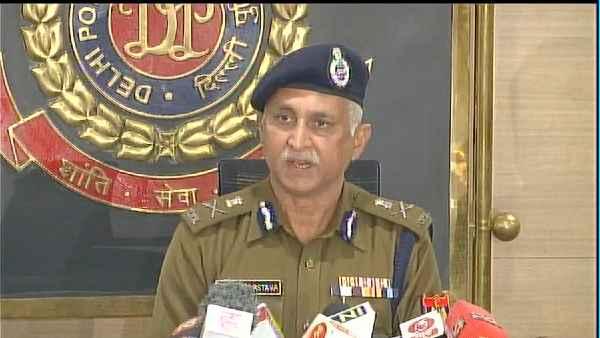 ये भी पढ़ें- दिल्ली पुलिस आयुक्त ने कहा- 26 जनवरी को ट्रैक्टर रैली के दौरान हिंसा में 394 पुलिस कर्मियों को चोटें लगीं