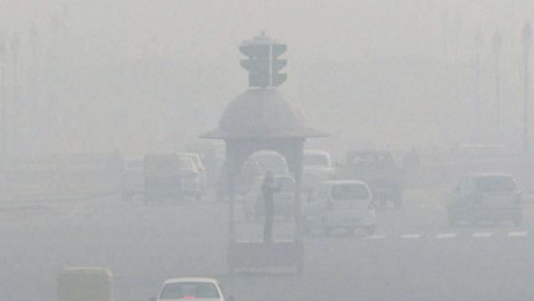 यह पढ़ें: कोहरे और शीतलहर की चपेट में पूरा उत्तर भारत, दक्षिण में बरसेंगे बादल, दिल्ली का भी बुरा हाल