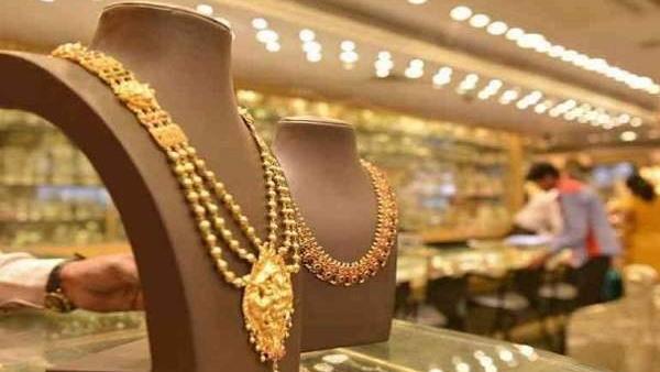 Gold-Silver Weekly Update: खुशखबरी, 8000 रुपए टूट चुका है सोना, उच्चतम स्तर से चांदी 12500 रुपए सस्ती