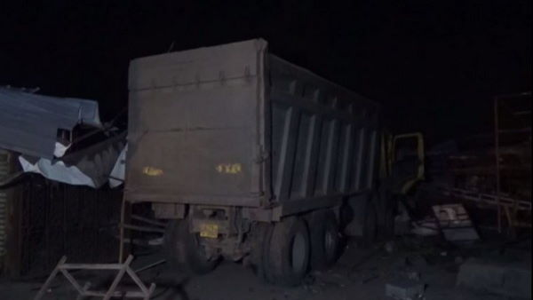 Gujarat Surat Road Accident 13 people died after run over by a truck