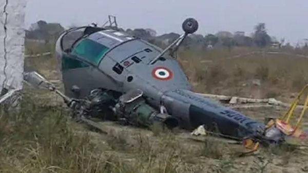 जम्मू-कश्मीर के कठुआ में सेना का एक हेलीकॉप्टर क्रैश, एक पायलट की मौत
