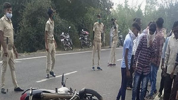 high speed Truck Collides With 3 Bikes In bharuch district, 3 Family Members, Including Real Sisters lost lives