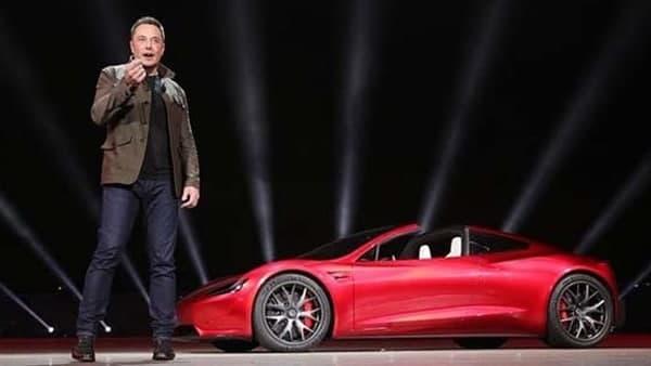यह पढ़ें:Tesla के फैंस को झटका, सरकार ने इलेक्ट्रिक व्हीकल्स पर आयात शुल्क घटाने से किया इंकार