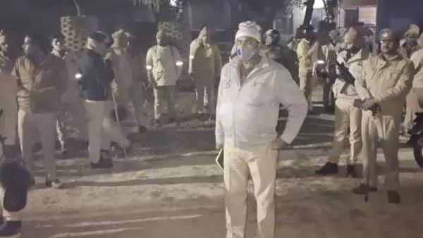 प्रतापगढ़: पुलिस पर हमले का मुख्य आरोपी अरेस्ट, विधायक का दरोगा से गाली गलौज का कथित ऑडियो वायरल