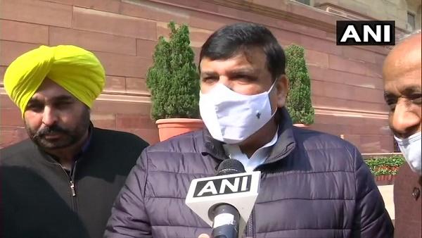 AAP नेता संजय सिंह का बयान, हमें सेंट्रल हॉल में घुसने नहीं दिया, इसलिए गेट पर ही की नारेबाजी