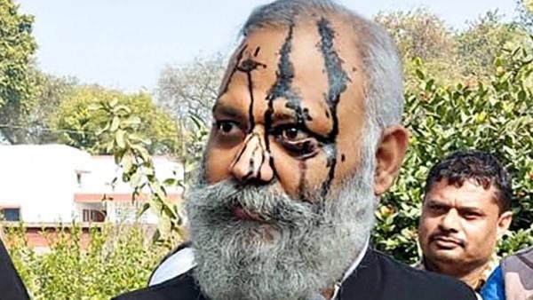 दिल्ली कोर्ट ने यूपी पुलिस से सोमनाथ भारती को 18 जनवरी को पेश करने को कहा