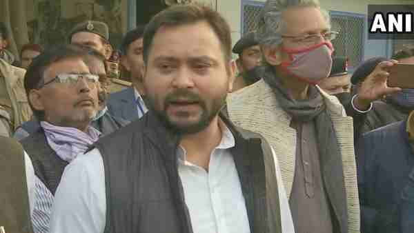 Tejashwi Yadav raised questions about the budget session