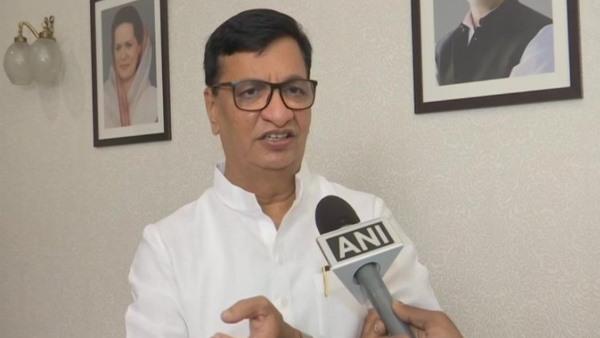 महाराष्ट्र में कांग्रेस की बढ़ी मुश्किलें, बालासाहेब थोराट ने की अध्यक्ष पद से इस्तीफे की पेशकश