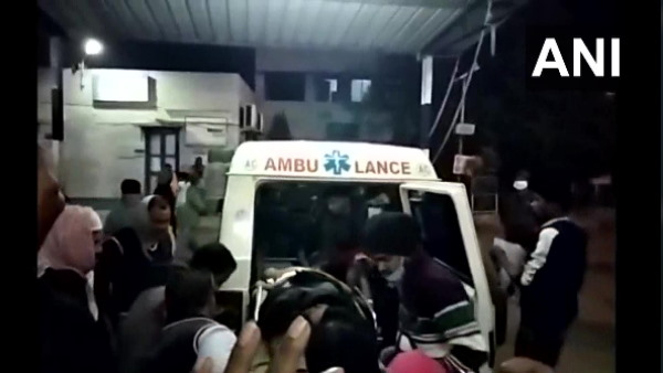 West Bengal Unidentified people attacked TMC office 6 people detained