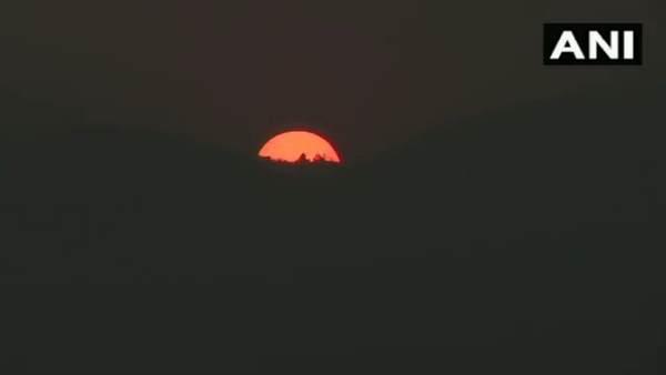New Year 2021: असम के Guwahati में बेहद खूबसूरत दिखा सूर्योदय का नजारा, यहां देखें Video