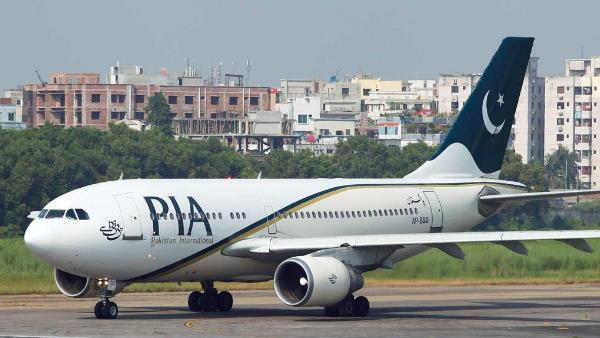 पाकिस्तान को मलेशिया ने दिया झटका, PIA को बोइंग 777 विमान किया जब्त
