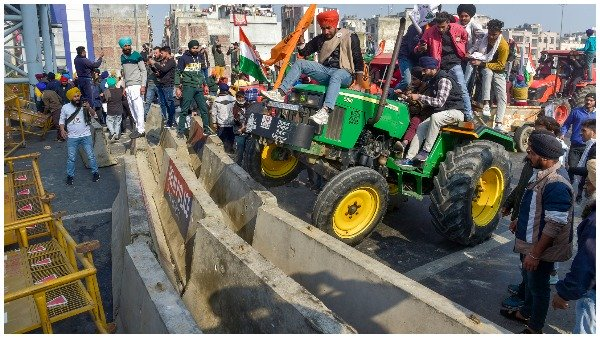 ये भी पढ़ें-Farmers Tractor parade: कैसे हिंसक हो गई किसानों की ट्रैक्टर रैली, पूरी Timeline देखिए