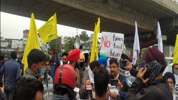 हरियाणा: जींद के कंडेला में किसानों की महापंचायत, टिकैत-चढूनी की हुंकार, हजारों लोग पहुंचे