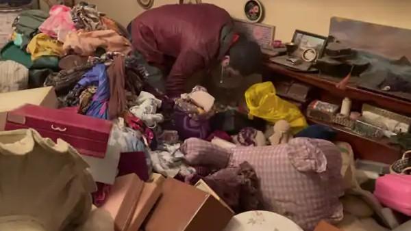 VIDEO: 7 लाख में खरीदा कबाड़ से भरा घर, अंदर मिले दुर्लभ खजाने ने बदल दी दुकानदार की किस्मत