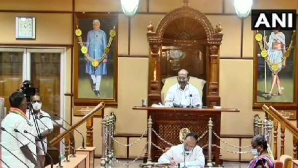 यह पढ़ें: Puducherry: फ्लोर टेस्ट में फेल हुए CM नारायणसामी, पुडुचेरी में गिरी कांग्रेस की सरकार
