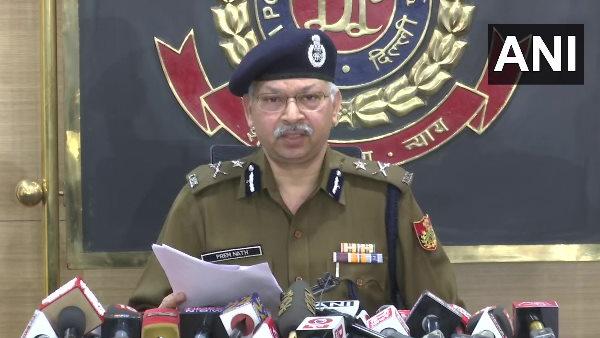 इसे भी पढ़ें- दिल्ली पुलिस का दावा-निकिता- शांतनु और दिशा ने मिलकर बनाई थी टूलकिट