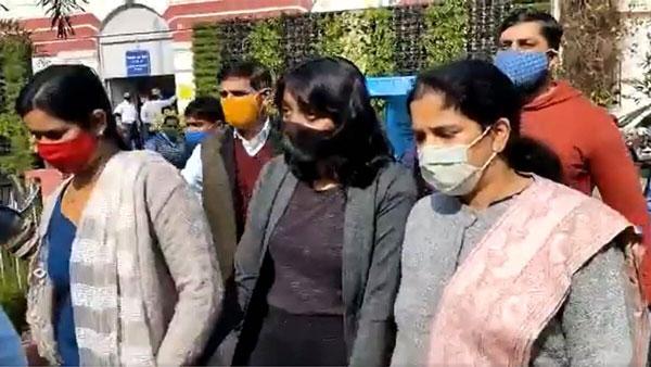 Toolkit Case: दिशा रवि को बेल क्यों नहीं मिलनी चाहिए ? दिल्ली पुलिस ने कोर्ट में दिया जवाब