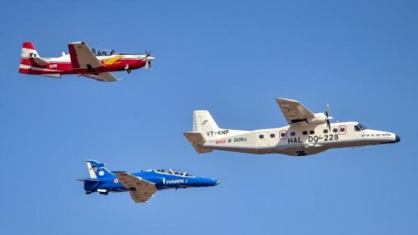 एयरो इंडिया 2021: भारतीय वायु सेना में जल्द आएंगे 70 बेसिक ट्रेनर एयरक्राफ्ट, HAL को सौंपा प्रपोजल