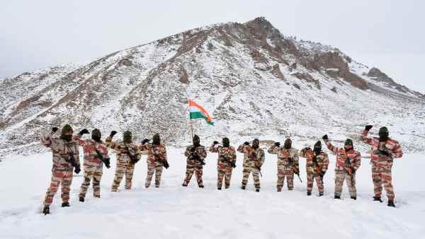 इसे भी पढ़ें- Ladakh standoff:LAC पर चीन के साथ तनाव से रक्षा बजट में आया क्या अंतर ?