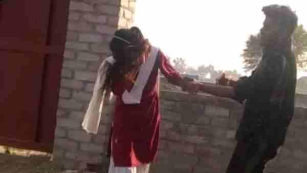 ये भी पढ़ें:- Lucknow: स्कूल जा रही छात्रा को सड़क किनारे पीट रहा था शोहदा, वीडियो वायरल होते ही पहुंचा जेल