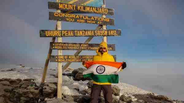 ये भी पढ़ें:- Mt Kilimanjaro की चोटी पर गोरखपुर के नीतीश ने फहराया तिरंगा, कहा- अब ऑस्ट्रेलिया की ऊंची चोटी को करूंगा फतह