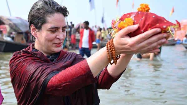 ये भी पढ़ें:- मौनी अमावस्या पर Priyanka Gandhi ने संगम में लगाई डुबकी, खुद चलाई नाव