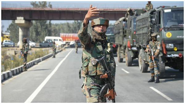 पुलवामा हमले के 2 साल पूरे: जैश प्रमुख मसूद अजहर और उसके 3 रिश्तेदारों के खिलाफ इंटरपोल ने जारी किया रेड नोटिस