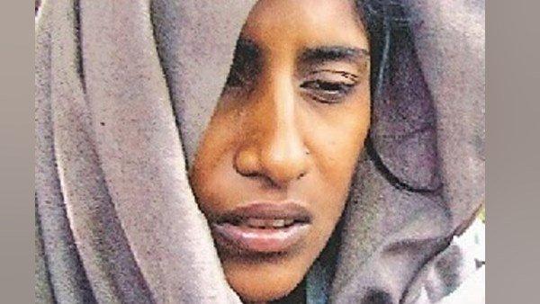 ये भी पढ़ें:- जानिए कौन है शबनम, जिसे अब होगी फांसी की सजा, प्यार के लिए काट दिया था अपने 7 परिजनों का कुल्हाड़ी से गला