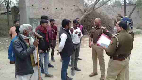 Sitapur News: Mahant Muni Bajrang Das attacked with knives in a land dispute
