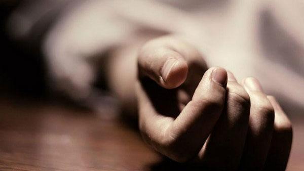 छत्तीसगढ़ः फर्श पर लिखा पत्नी की बेवफाई और फिर पति ने कर ली खुदकुशी, कहा- उसको किसी और के साथ सोते हुए देखा