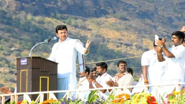 ये भी पढ़ें- BJP सांसद तेजस्वी सूर्या बोले- 'DMK है हिन्दू विरोधी पार्टी, तमिल को जीवित रहना है तो हिंदुत्व को जीतना होगा'