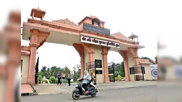 गुजरात: 300 कॉलेजों में फर्स्ट ईयर की कक्षाएं 8 फरवरी से शुरू होंगी, सरकार ने दी अनुमति