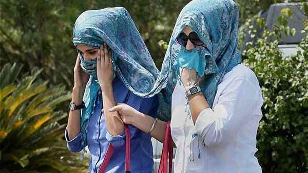 यह पढ़ें: कोरोना के बीच वैज्ञानिकों ने चेताया- आने वाले दिनों में भारत पर पड़ेगी तगड़ी मार, लू और गर्मी करेगी तंग