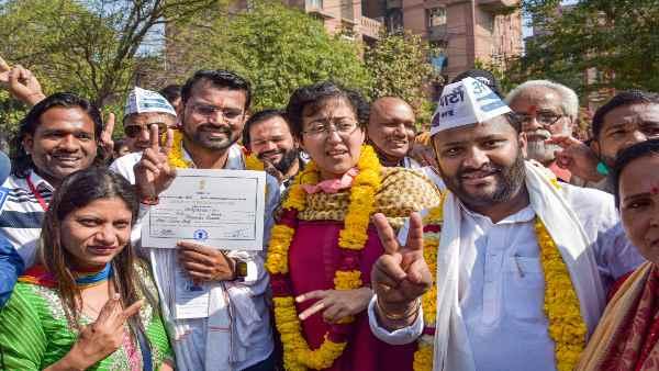 इसे भी पढ़ें- Delhi MCD Election 2021: क्या AAP ने भाजपा के लिए खतरे की घंटी बजा दी?
