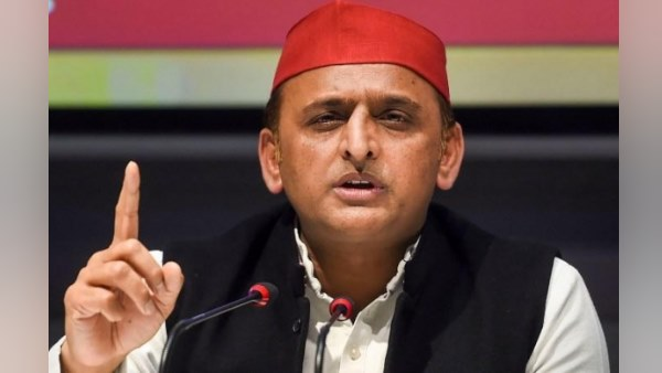 akhilesh yadav hits out at up yogi govt over hathras case