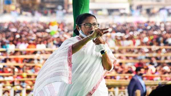 इसे भी पढ़ें- West Bengal election date:कैसे 10 साल में ममता के मां-माटी और मानुष से आगे निकल चुका है बंगाल