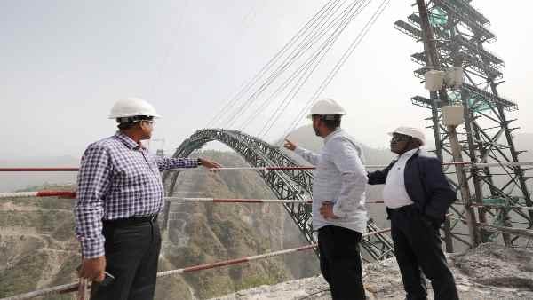 ये भी पढ़ें- Indian Railways को कश्मीर में मिली दुनिया की सबसे ऊंची कामयाबी, चिनाब नदी पर किया ये कमाल