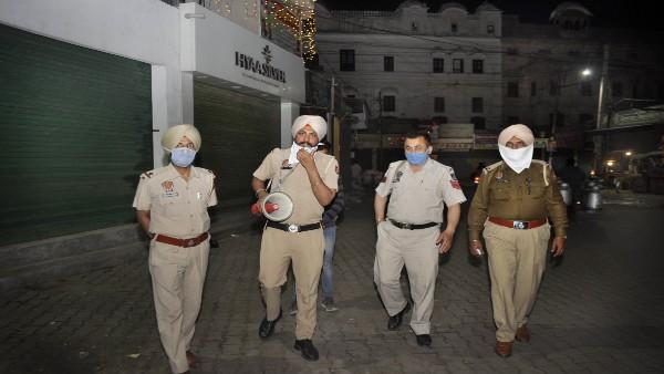 पंजाब: लुधियाना में प्रशासन ने लगाया नाइट कर्फ्यू, जानिए किन-किन शहरों में लगा हुआ है लॉकडाउन