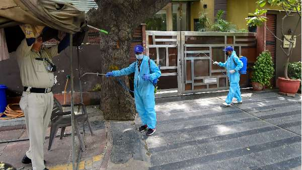 यह पढ़ें: कोरोना वायरस के एक्टिव केस 4 लाख के पार, एक दिन में मिले 59118 नए मरीज