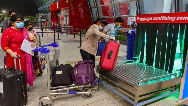 ये भी पढ़ें: Coronavirus: आज से दिल्ली एयरपोर्ट पर यात्रियों की होगी रैंडम टेस्टिंग, पॉजिटिव मिलने पर होना होगा क्वारंटाइन