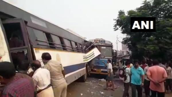 आंध्र प्रदेश सड़क हादसा: दो बसों की टक्कर में ड्राइवरों समेत तीन लोगों की मौत, 5 घायल