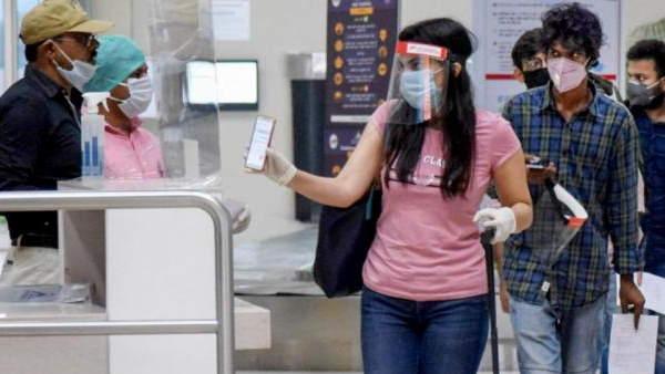 ये भी पढ़ें- DGCA ने कहा- एयरपोर्ट पर कोरोना गाइडलाइन ना माननों वालों पर बरतें सख्ती, जुर्माना लगाएं