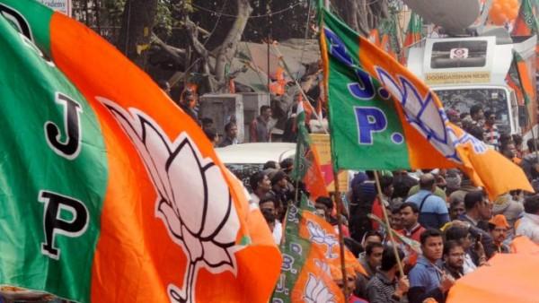 केरल: चुनाव आयोग द्वारा नामांकन पत्र खारिज किए जाने के बाद भाजपा उम्मीदवारों ने खटखटाया हाई कोर्ट का दरवाजा
