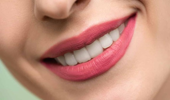 ये भी पढ़ें- World Oral Health Day: क्या मुंह की सम्पूर्ण स्वच्छता के लिए केवल ब्रश करना ही काफी है, जानें