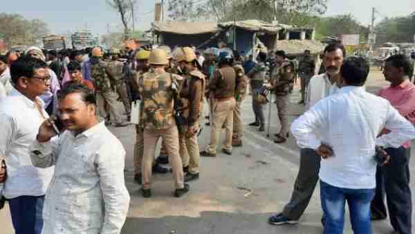 ये भी पढ़ें:- Kanpur: गैंगरेप पीड़िता के पिता की ट्रक के कुचलने से हुई मौत, मुख्य आरोपी गोलू अरेस्ट
