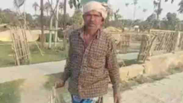 Bihar News: helpless father Walked 3 km on foot carrying the body of son