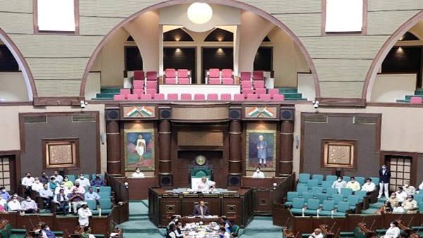 मध्य प्रदेश विधानसभा में लव जिहाद के खिलाफ धार्मिक स्वतंत्रता विधेयक 2021 पारित, कांग्रेस का हंगामा